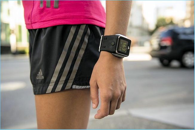 Nos données de santé issues des objets connectés intéressent Google, Apple et Samsung