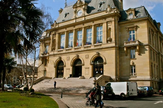 Crise de nerfs autour des disques durs des PC de l'ancienne municipalité à Asnières