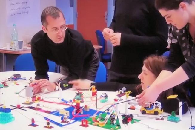 « L'environnement de travail devra fournir des objets connectés »
