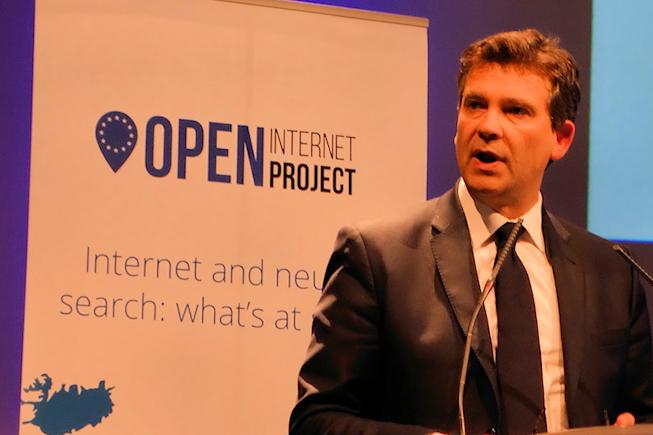 Montebourg mise sur les opérateurs mobiles pour contrer Google, Amazon ou Facebook