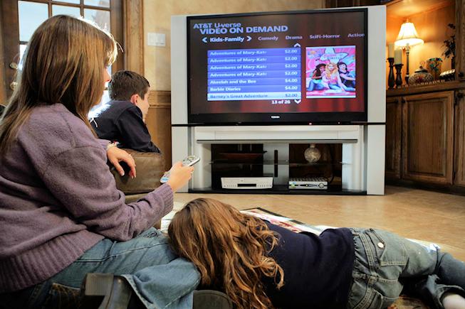 Consolidation dans la TV payante: AT&T achète DirecTV pour 48,5 milliards de dollars