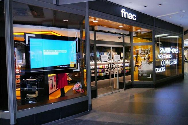 La Fnac ouvre un magasin d'objets connectés et de smartphones sur les Champs Elysées