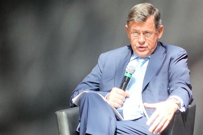 Carrefour se refonde tout en travaillant à sonprojet multi-canal centré sur le mobile