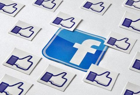 Facebook attire toujours massivement internautes et marques