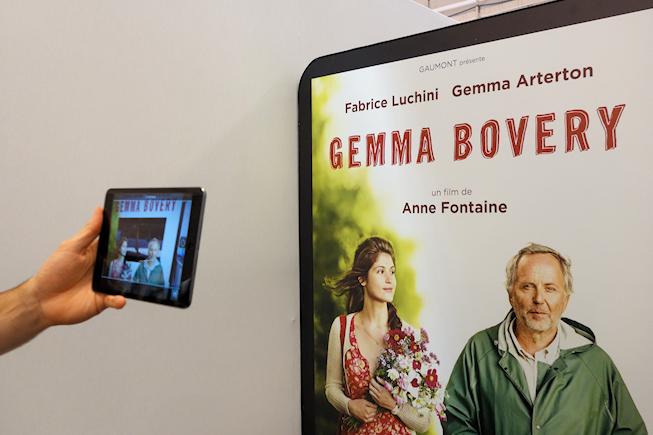 Affiche connect e en d mo au salon equipmag 2014 la for Salon du digital
