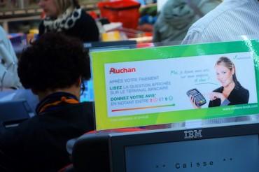 Sondage flash des clients chez Auchan via les terminaux de paiement