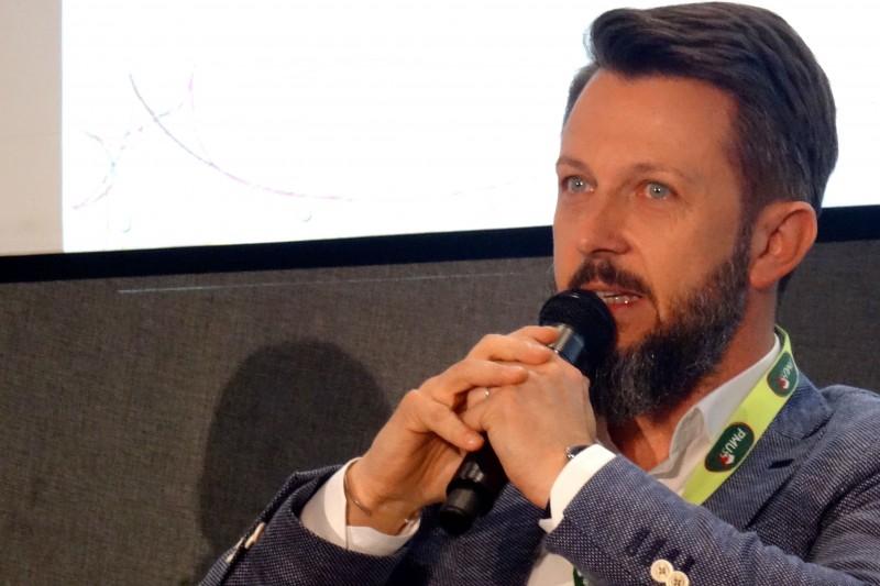 Le mobile va permettre l'intégration du spectateur au show au Palais Omnisports de Paris-Bercy