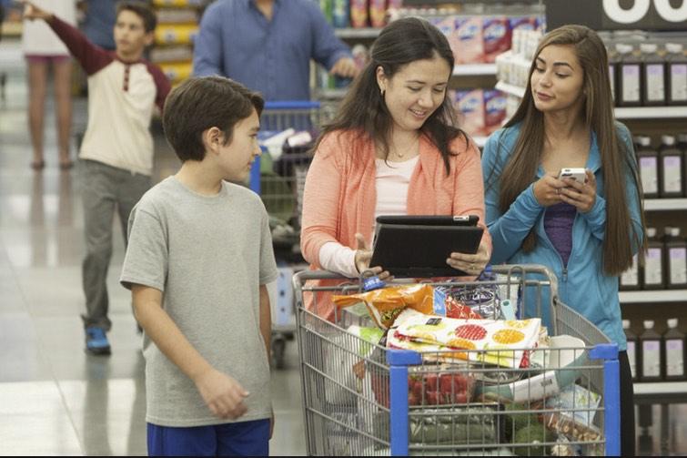 """Prise de bec entre Walmart et Amazon sur leurs tarifs avant un mercredi de """"prix fous"""""""
