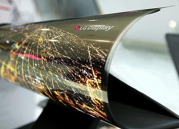Un écran enroulable de 18 pouces présenté par LG au CES de Las Vegas