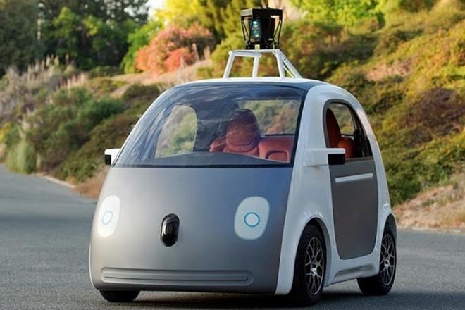 """L'intelligence artificielle de la voiture de Google est officiellement un """"conducteur"""""""