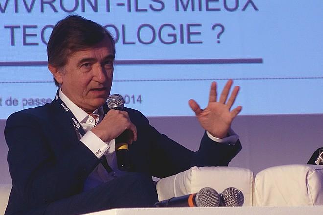 """Philippe Douste-Blazy : """"ne donnez jamais une donnée personnelle de santé à un assureur"""""""