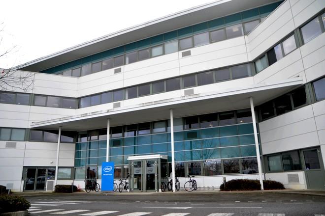 Les salariés français d'Intel à la recherche de soutiens devant l'ampleur des suppressions de postes