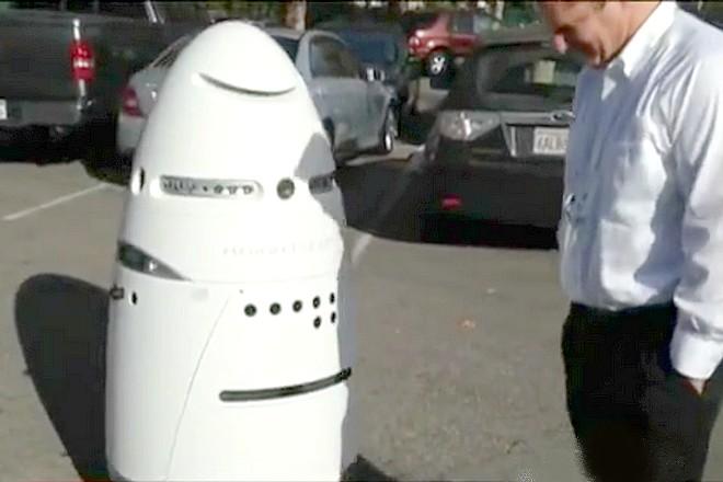 Les robots à l'arrêt dans un centre commercial après avoir blessé un enfant