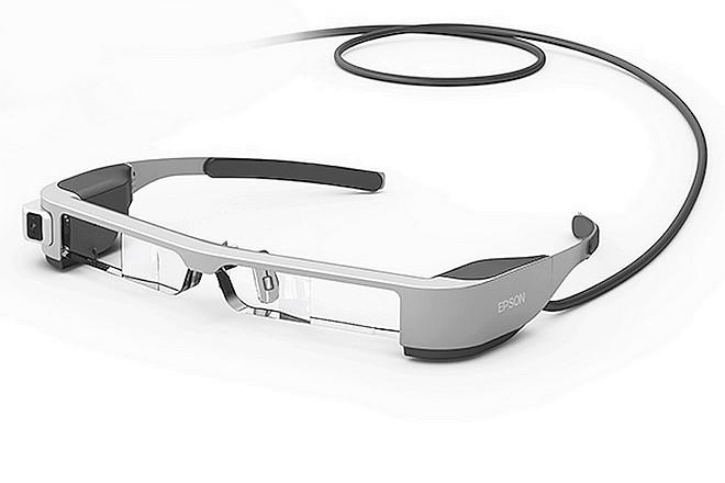 Des drones grand public pilotés par des lunettes de réalité augmentée