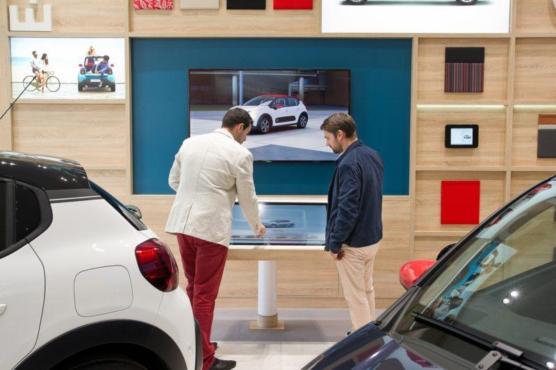 L'Experience Store de Peugeot Citroën démarre à petite vitesse