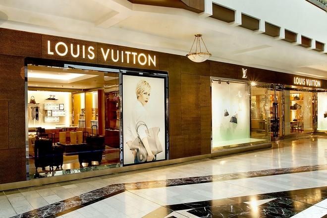 Louis Vuitton épaule ses vendeurs grâce à un moteur de recherche mobile futé