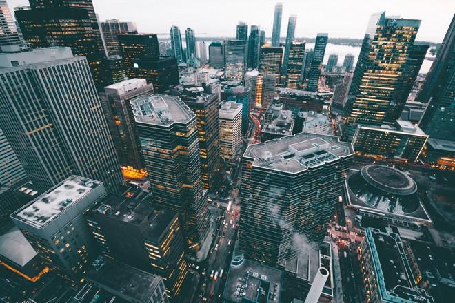 La blockchainintéresse les services financiers en Europe, la distribution aux Etats Unis