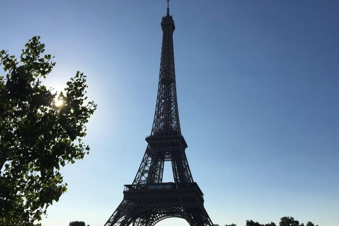 Grève à la Tour Eiffel: une gestion des files d'attente à côté de la plaque à l'heure du multi-canal (maj)