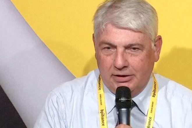 Sanofi : «il n'y a pas d'alternative à la plateforme de Palantir en Europe»