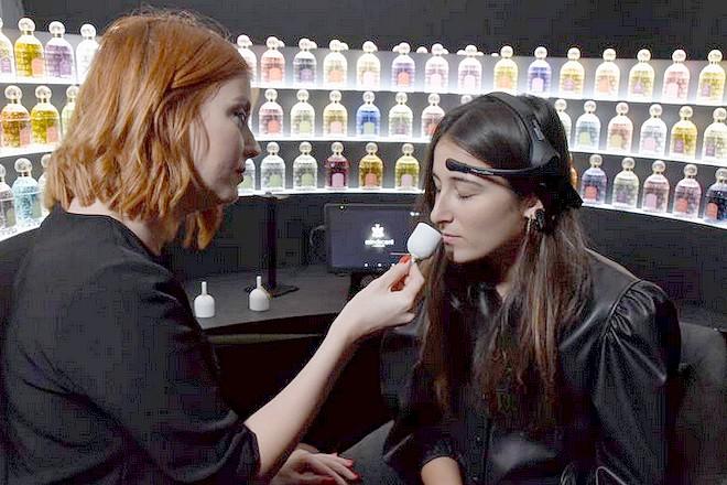 Guerlain détecte les émotions de ses clientes pour trouver leur parfum préféré