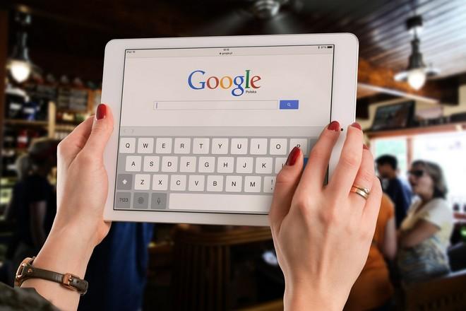 La domination sur la publicité de Google et Facebook inquiète l'autorité de régulation britannique