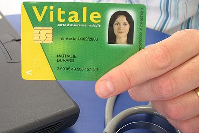 La sécurité sociale revoit fortement à la baisse le nombre de cartes Vitale en surnombre