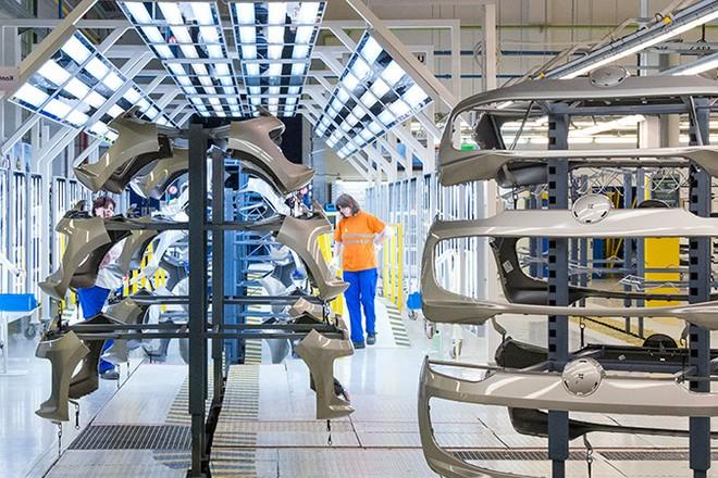 Industrie 4.0 : les innovations 2020 de l'équipementier automobile Plastic Omnium