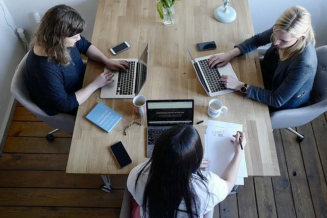 Redémarrage de la communication et du marketing des entreprises : retour aux basiques