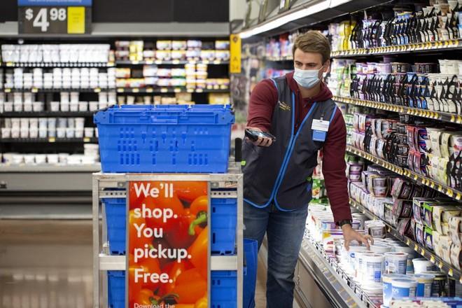 Walmart apprend en marchant pour son e-commerce dopé par le Coronavirus