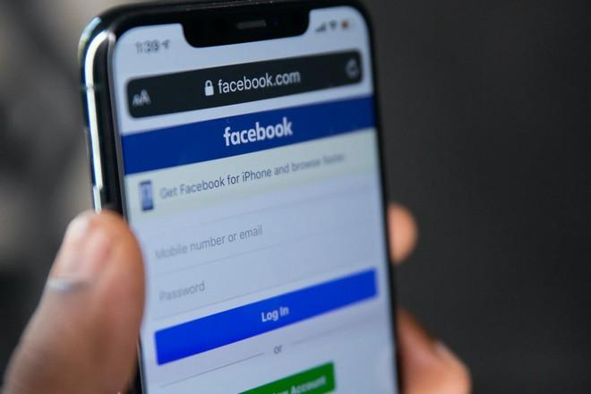 Facebook menace de jeter l'éponge en Europe face aux méthodes de la Cnil irlandaise