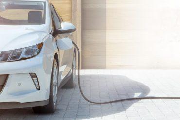 Uber prévoit 75 millions d'euros pour migrer ses VTC vers le véhicule électrique en France