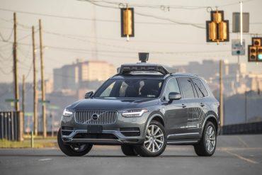Uber cède son activité de voitures autonomes