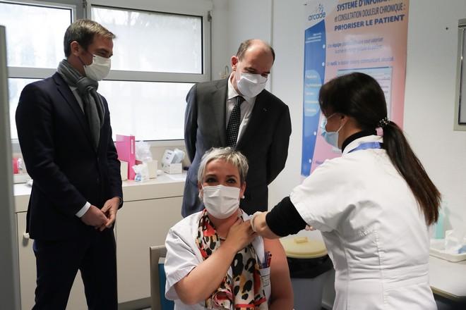 Quatre cabinets conseil américains mobilisés pour le plan de vaccination français face à la Covid-19