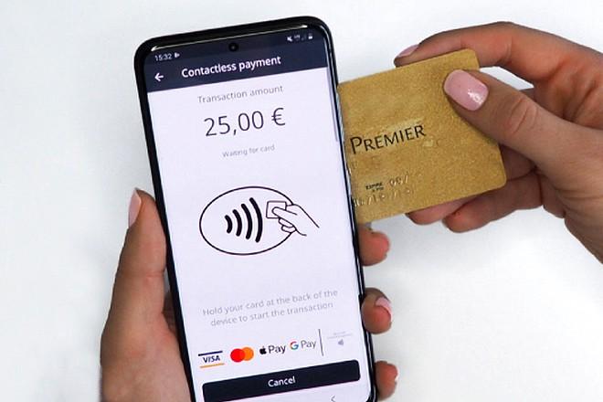 Le Crédit Agricole teste l'encaissement sans contact sur simple smartphone pour les commerçants