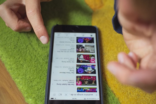 Carrefour satisfait de la diffusion commentée de ses catalogues de promotions sur Youtube