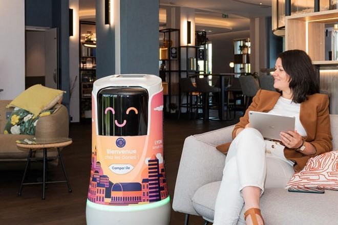 Parcours client connecté à l'hôtel Campanile de Lyon, première en Europe pour Louvre Hotels