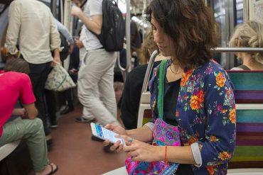 La RATP va tester un service d'information voyageurs multilingue grâce à l'IA