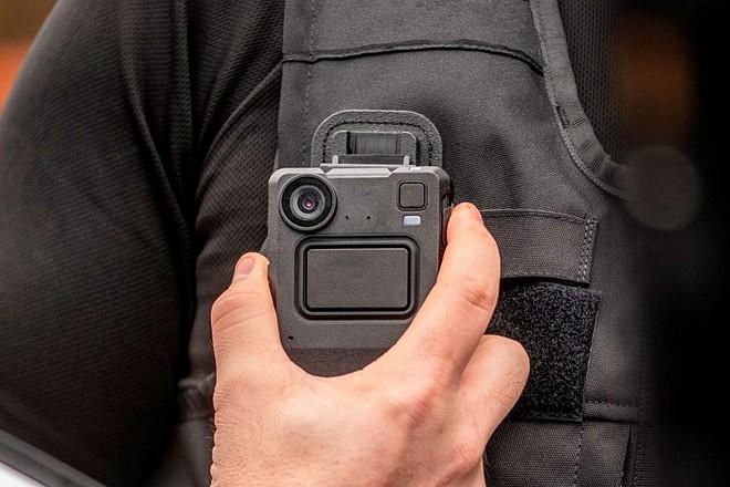 Les forces de l'ordre équipées des nouvelles caméras piétons