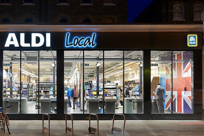 Les supermarchés discount Aldi testent un point de vente sans caisse à Londres