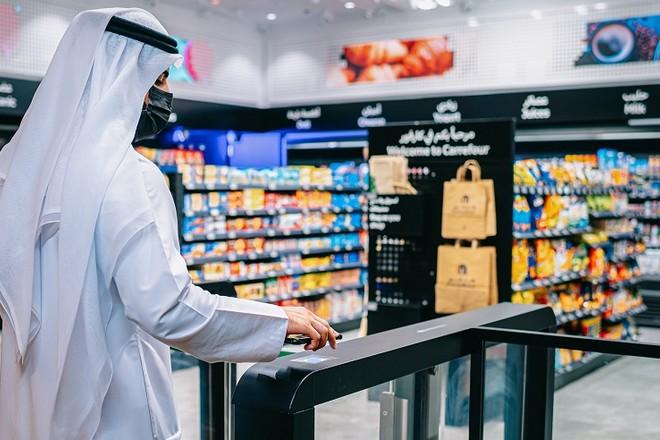 Un magasin Carrefour sans caisse grâce à l'intelligence artificielle ouvert à Dubaï